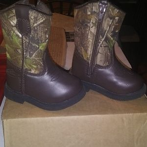 Team realtree toddler boots size 5m
